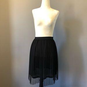 H&M Tulle Skirt - Divided Black